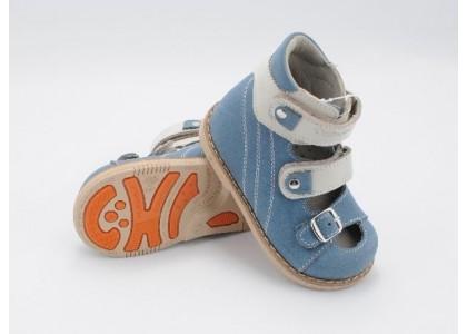 Выбор ортопедической обуви ребенку